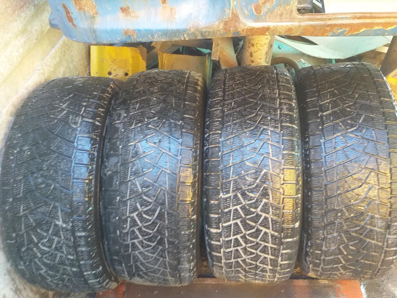 Продам зимние шины Bridgestone