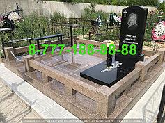 Гранитные комплексы на кладбище 48