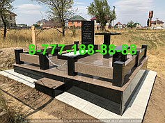 Гранитные комплексы на кладбище 38