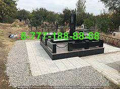 Гранитные комплексы на кладбище 25