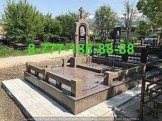 Гранитные комплексы на кладбище 40