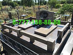 Гранитные комплексы на кладбище 41