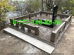 Гранитные комплексы на кладбище 3