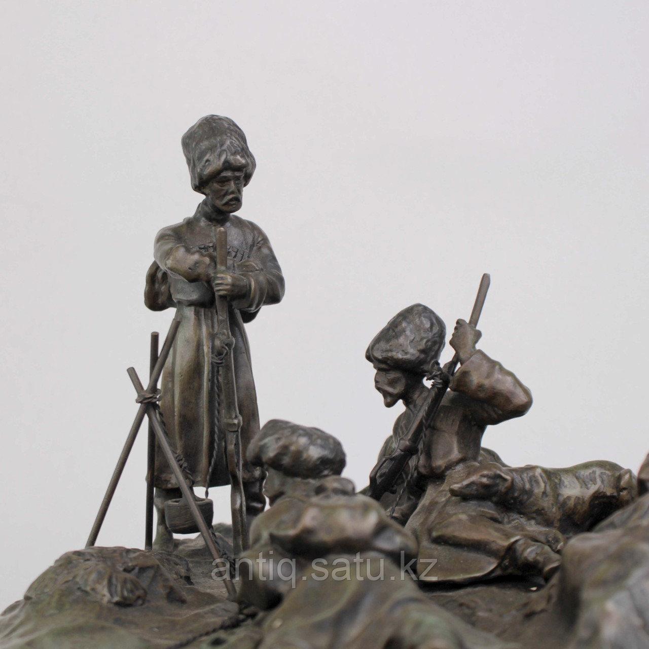 Черкес, заметивший врага. По модели российского скульптора В.Я. Грачева - фото 6