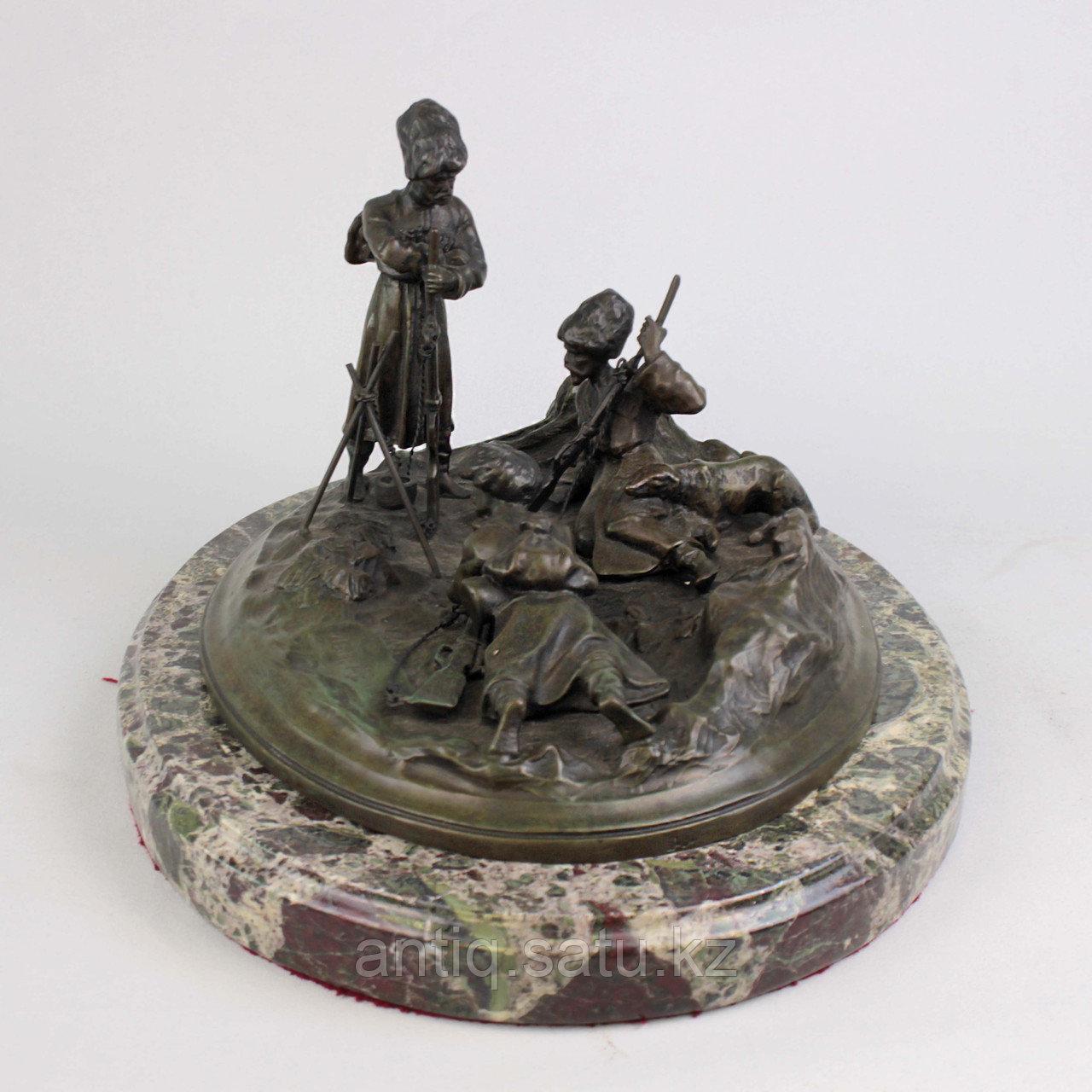 Черкес, заметивший врага. По модели российского скульптора В.Я. Грачева - фото 3