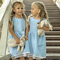 Льняное детское платье голубого цвета