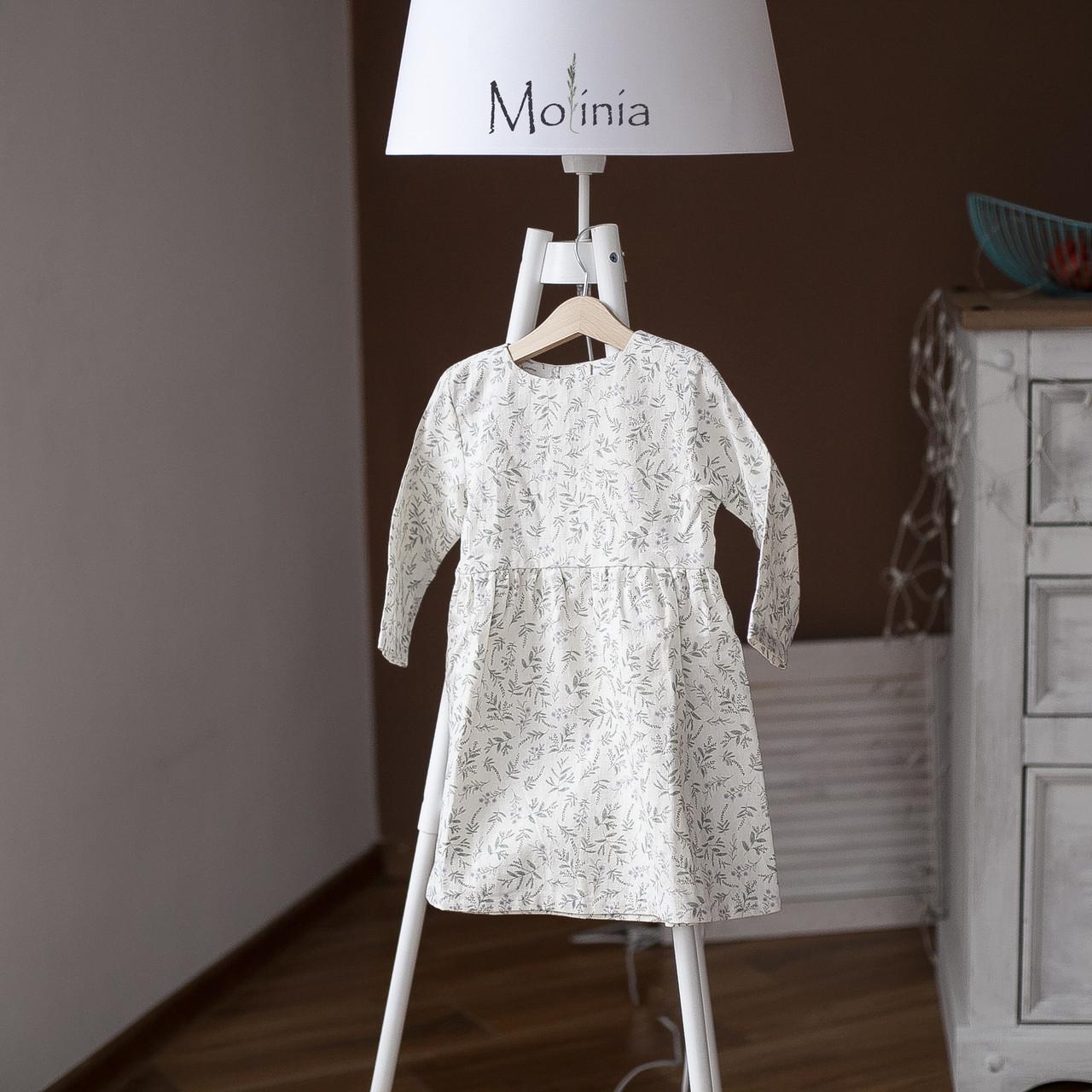 Льняное детское свободное платье в белом цвете с растительным принтом (лаванда) - фото 3