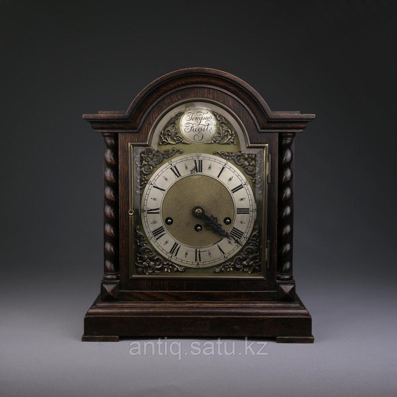 Настольные голландские часы с лунным календарем. Часовая мастерская Junghans. - фото 1