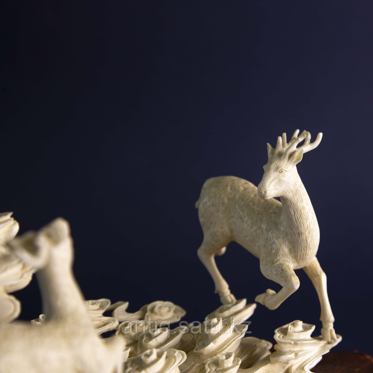 Великолепная композиция Олени. Символ изобилия, счастья и долголетия. Слоновая кость. - фото 5