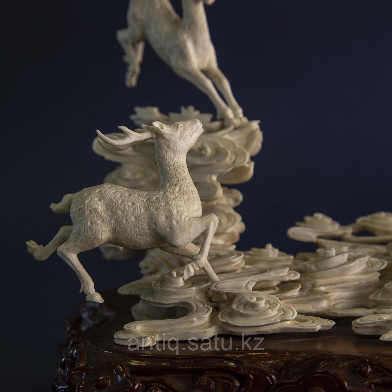 Великолепная композиция Олени. Символ изобилия, счастья и долголетия. Слоновая кость. - фото 7
