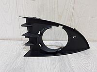 7701477303 Решётка в бампер правая для Renault Scenic 2 2003-2009 Б/У