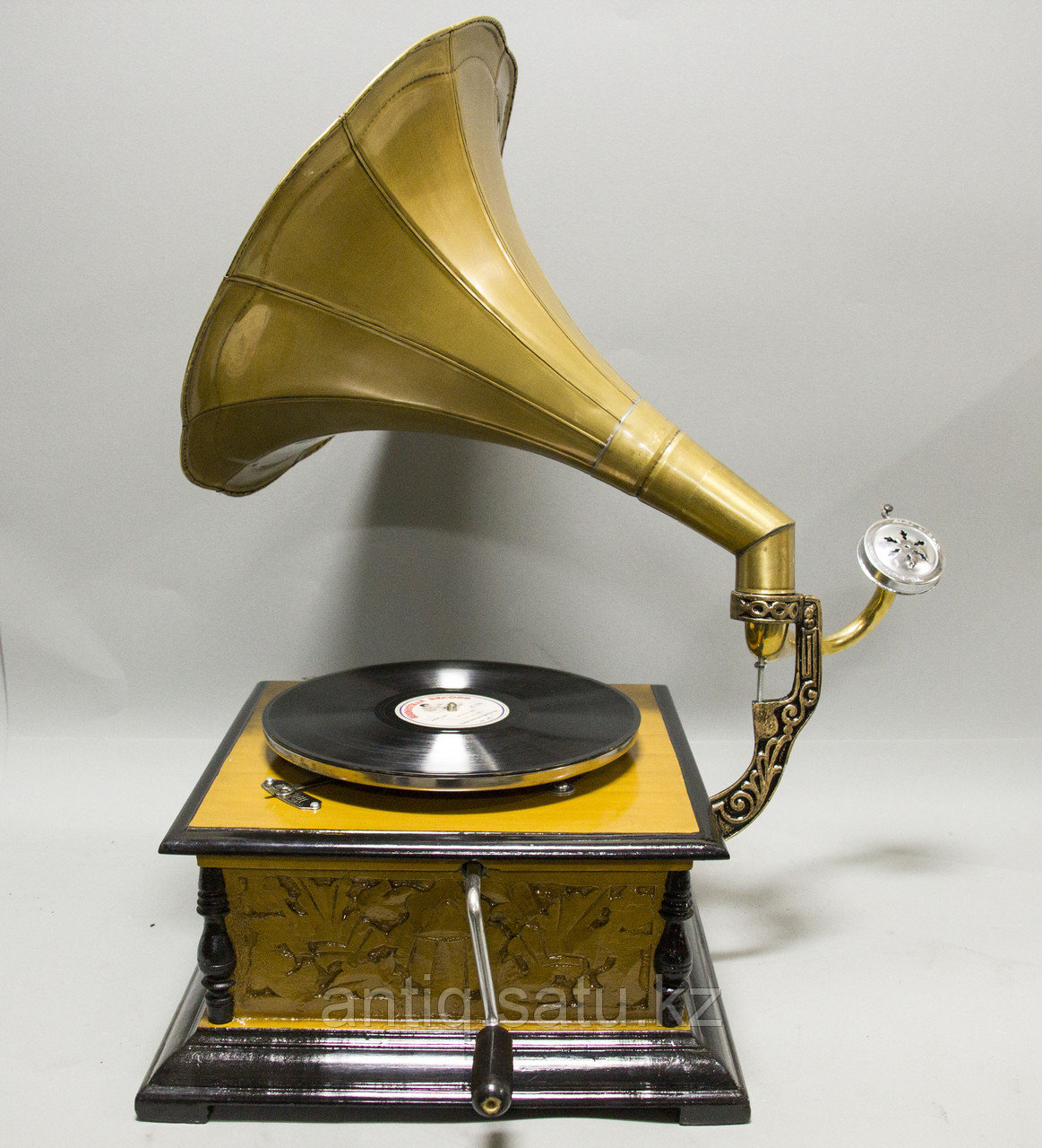 Граммофон. 5 старинных пластинок в подарок покупателю. - фото 2