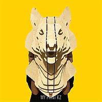 Декоративная голова волка из дерева