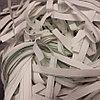 Наполнитель бумажный, цвет белый, крупно нарезанный