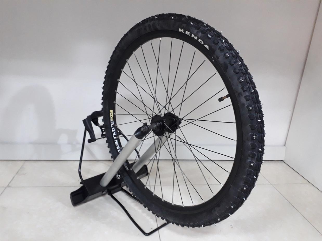 Зимние покрышки на велосипед. Шиповки. Шипованная резина. Зимняя. Покрышка