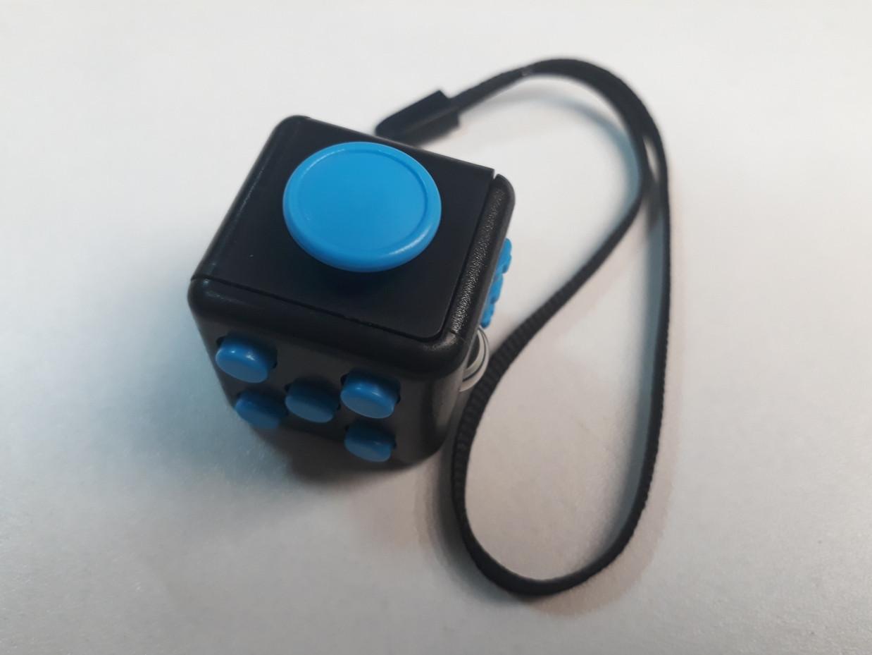 Оригинальный Фиджет куб. Fidget Cube. Кубик-антистресс.
