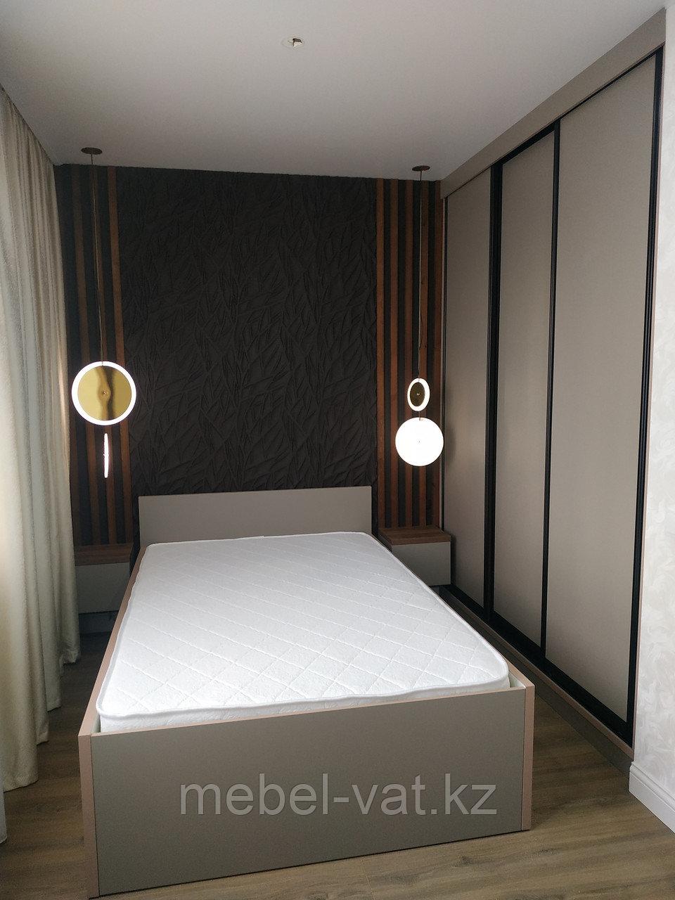 Спальня: Кровать-трансформер, шкаф-купе, тумбочки