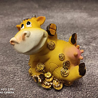 "Фигурка ""Коровка на монетах"", фото 1"