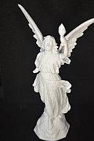 """Статуетка """"Ангел несущий свет"""""""
