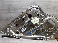A2127301779 Стеклоподъемник задний левый для Mercedes C-klasse W204 2007-2015 Б/У