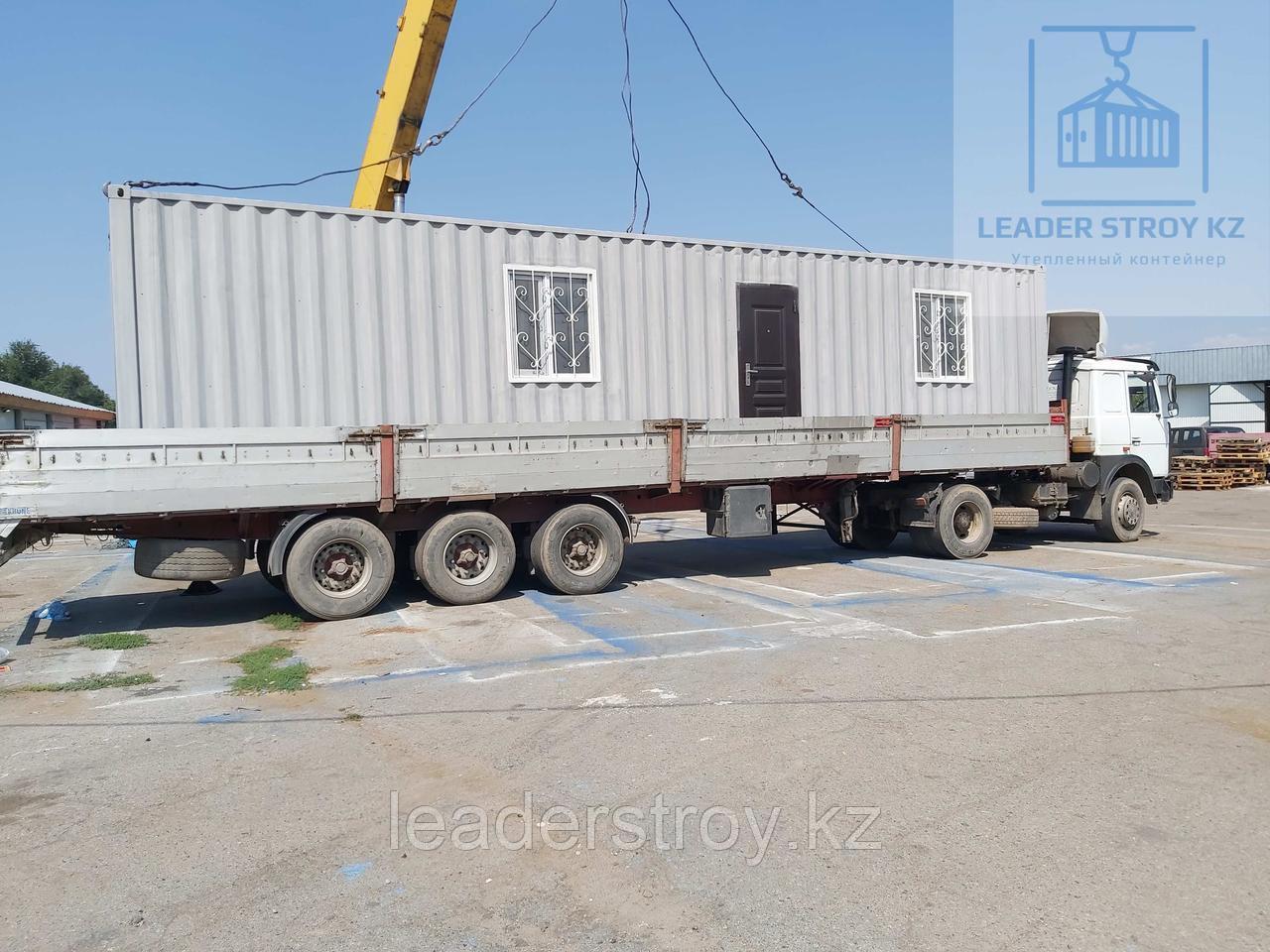 Жилой контейнер под торговое помещение с кассой из 40 футового контейнера