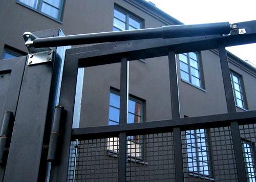 Доводчик пневматический для уличной калитки - фото 6