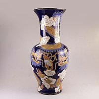 Большая ваза с драконами. Япония, середина 20 века Фарфор, роспись.