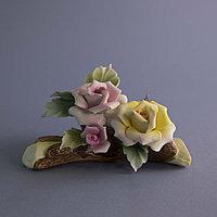 Ветка роз. Фарфоровая мануфактура Capodimonte