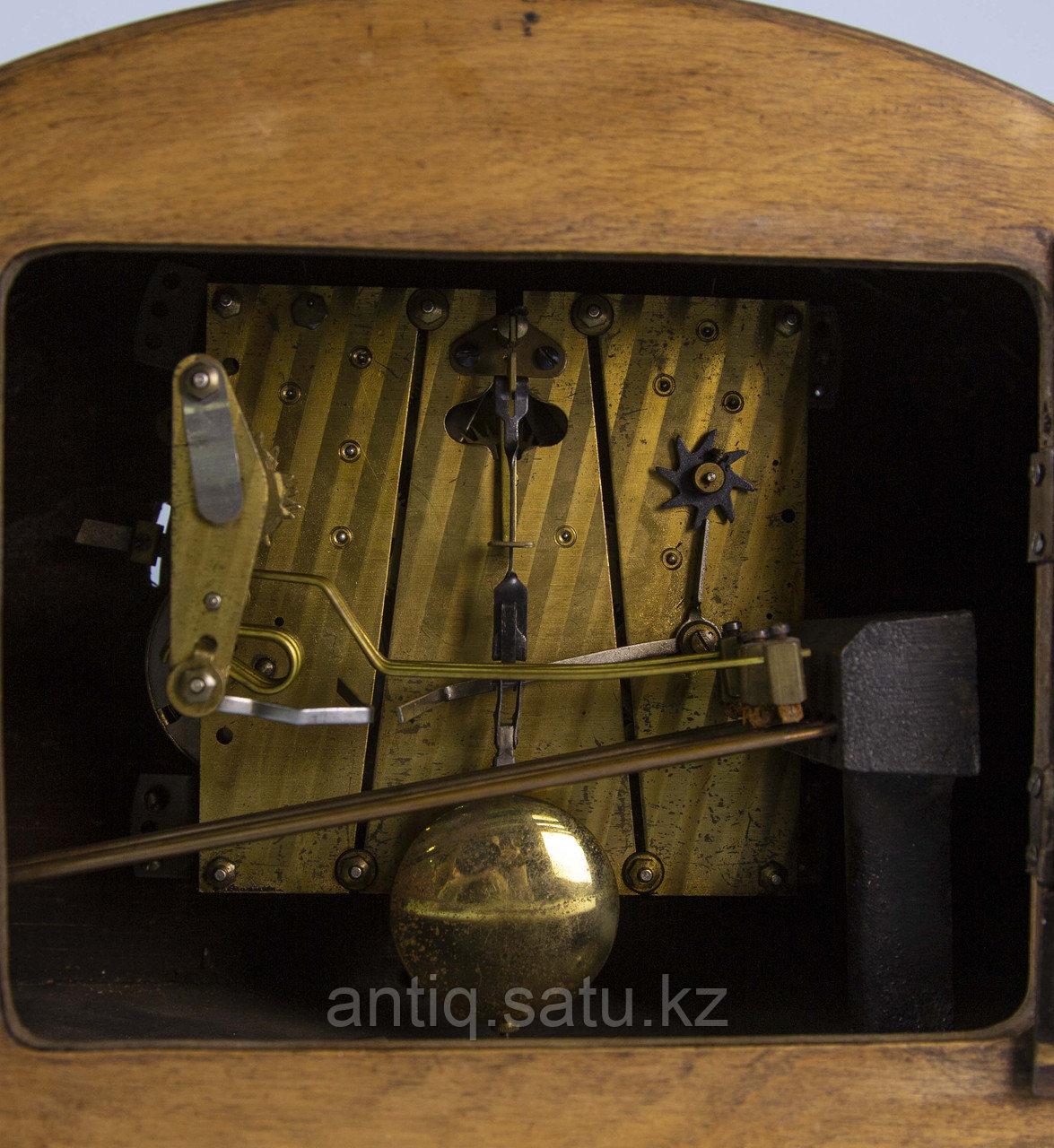 Настольные часы с Вестминстерским боем. Германия. Середина ХХ века. Массив ореха. - фото 6