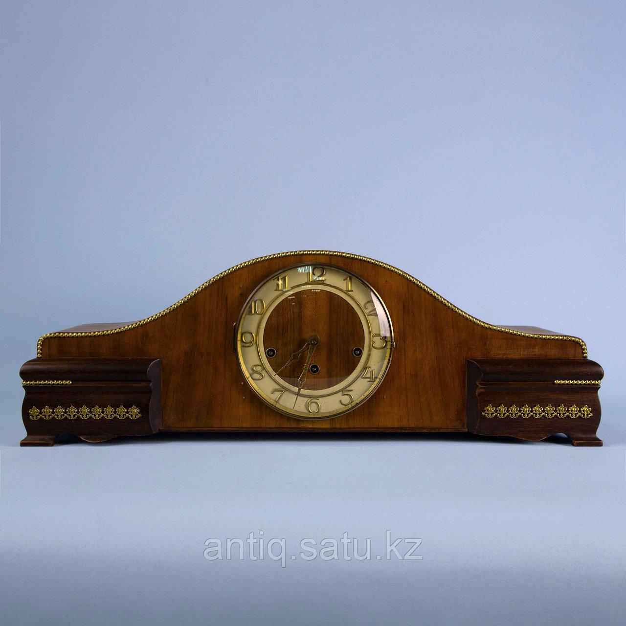 Настольные часы с Вестминстерским боем. Германия. Середина ХХ века. Массив ореха. - фото 1