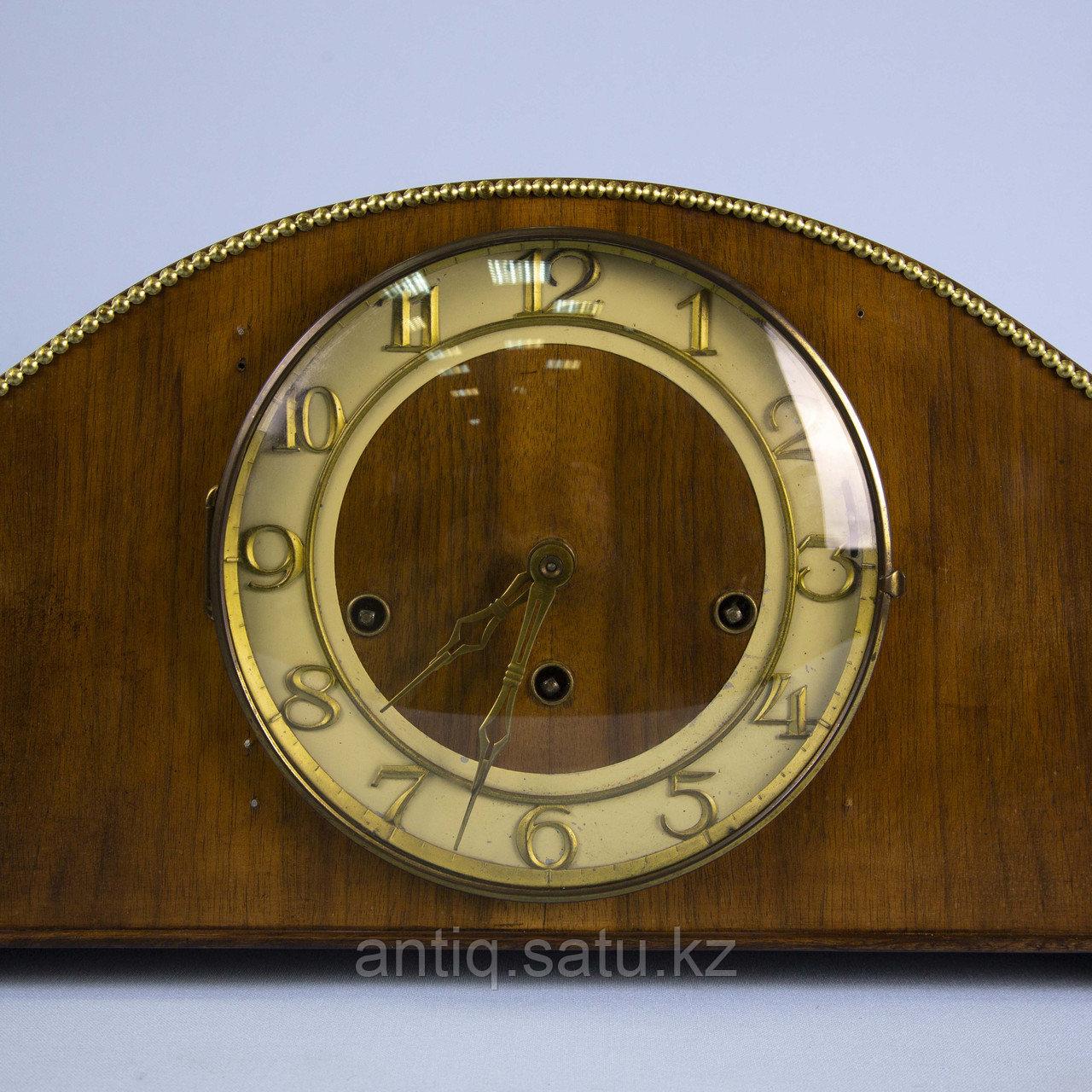 Настольные часы с Вестминстерским боем. Германия. Середина ХХ века. Массив ореха. - фото 3