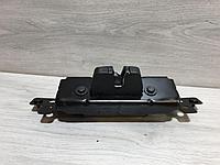 8719F8 Замок багажника для Peugeot 208 2012-2019 Б/У