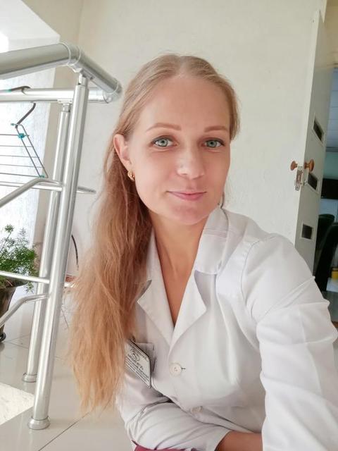 Остальцова Наталья Вячеславовна( ассистент ветеринарного врача в отделении терапии и хирургии) 13