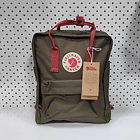 Рюкзак Fjallraven Kanken Classic. Цвет Хакии с розовом ремшком отличный вариант для повседневных прогулок