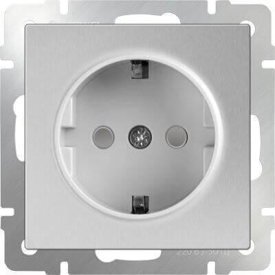 Розетка Werkel с заземлением и шторками серебряный WL06-SKGS-01-IP44 4690389053900