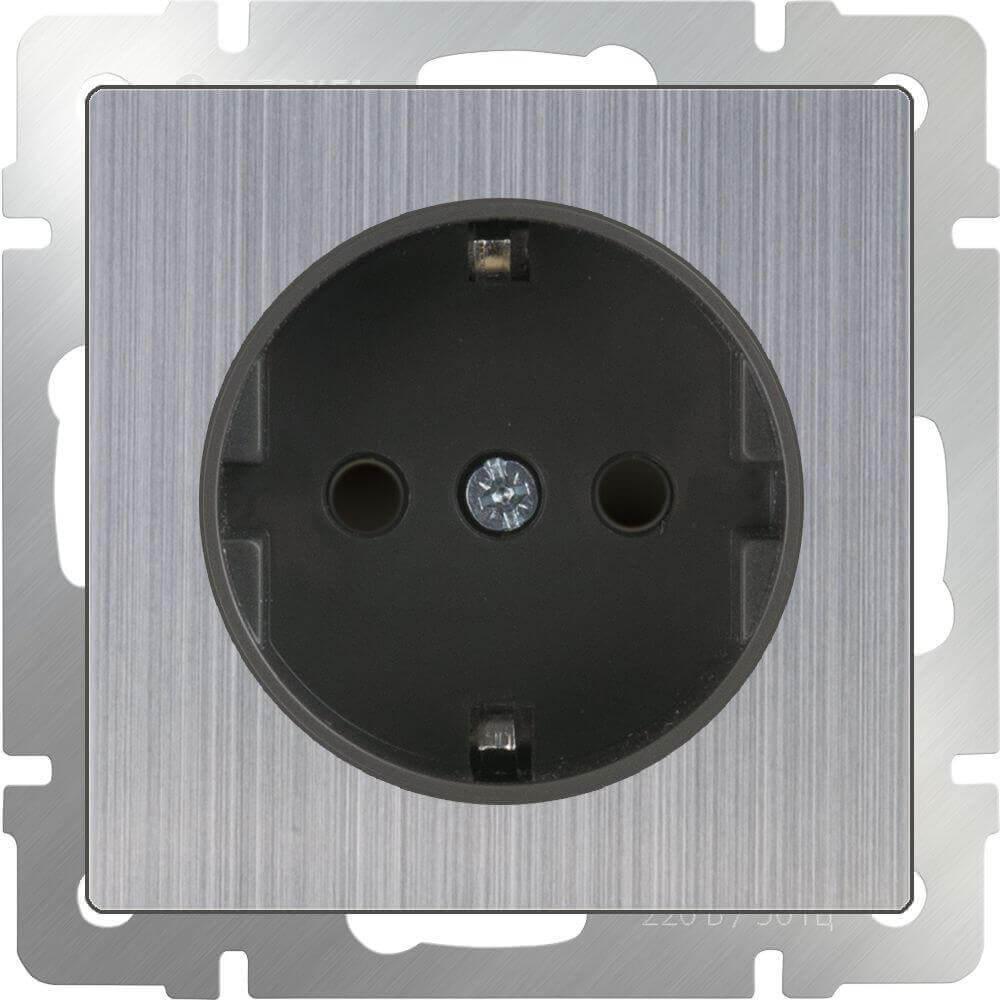 Розетка Werkel с заземлением и шторками глянцевый никель WL02-SKGS-01-IP44 4690389075810