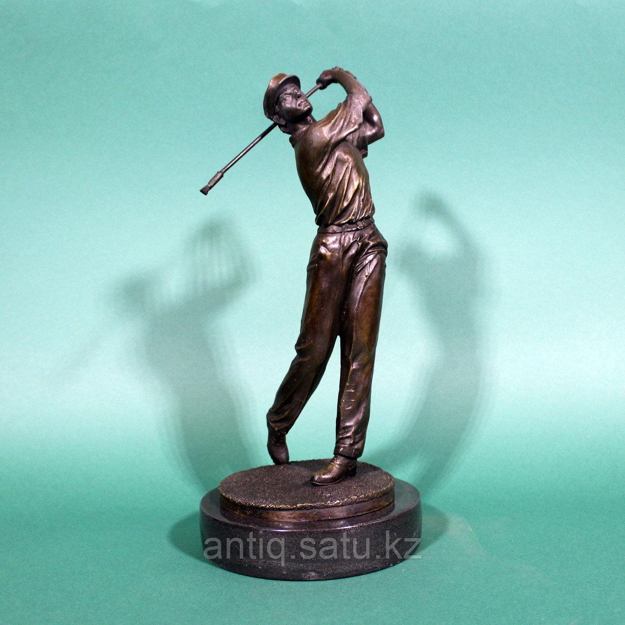 Игрок в гольф. Венская бронза. - фото 1