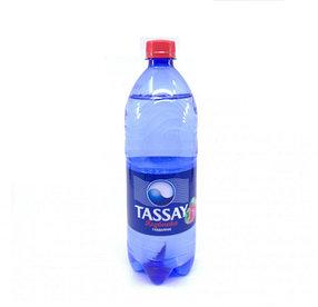 Вода Tassay КЛУБНИКА с газом 1 л.