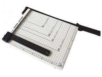 Резак для бумаг Deli, А4 формат, 300x250 мм, сабельный
