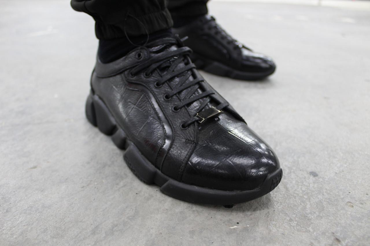 Мужские кроссовки лакированные