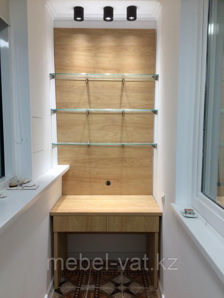 Письменный стол и шкаф на балкон