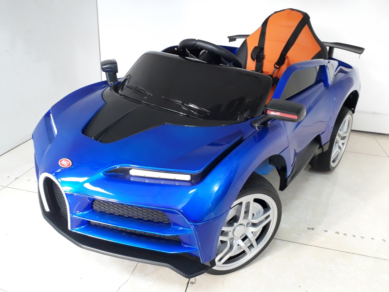 Красивый электромобиль на гелевых колесах Bugatti.