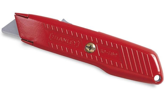 Нож Stanley с возвратной пружиной 19 мм 155 мм  0-10-189 (STANLEY, 0-10-189, НОЖ С ВЫДВИЖНЫМ ЛЕЗВИЕМ 155ММ)