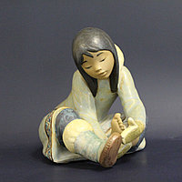 Девочка-эскимоска. Фарфоровая мануфактура Lladro. Испания. 1985 год.