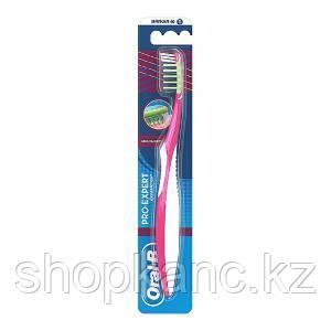 Зубная щетка Oral-B Pro-Expert Массажер мягкая