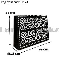 Пакет подарочный средний 45см х 33см х 10.5см прямоугольной формы черного цвета с серым орнаментом
