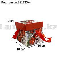 Подарочная коробка S(10х10х10) квадратная в новогодней тематике с красными лентами-ручками свеча розы