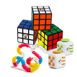 Кубики Рубика и игрушки антистрессы