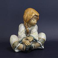 Девочка. Фарфоровая мануфактура Lladro Испания. 1990 год.