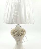 Декоративная настольная лампа